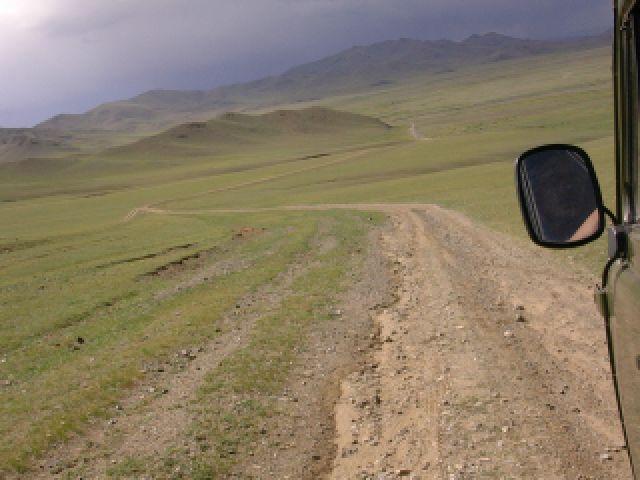 Zdjęcia: Droga przez step, okolice Changaj, W stepie szerokim...., MONGOLIA