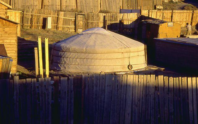 Zdj�cia: U�an Bator, Jurtowiska wok� U�an Bator, MONGOLIA