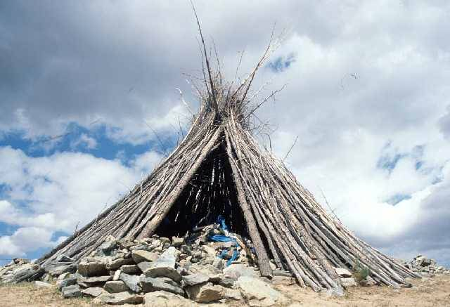 Zdjęcia: pn brzeg jeziora Terkhiin Tsagaan Nuur, Arkhangai aimag, święte ovoo, MONGOLIA