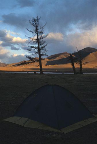 Zdjęcia: gdzies w Mongolii, obóz nad rzeką, MONGOLIA