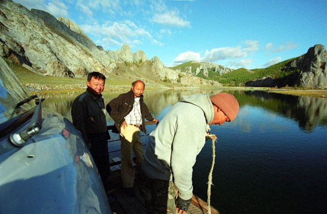 Zdjęcia: północna Mongolia, przeprawa promowa, MONGOLIA