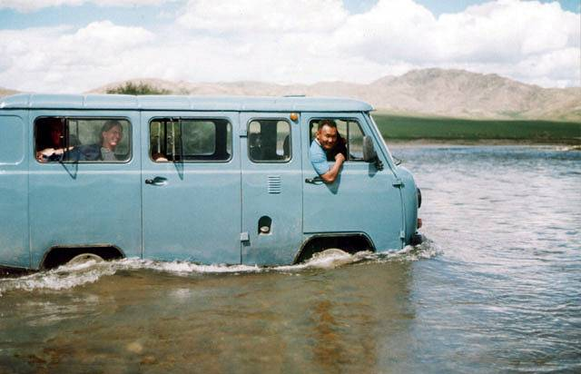 Zdjęcia:  w drodze do  Chatgal, Przeprawa, MONGOLIA