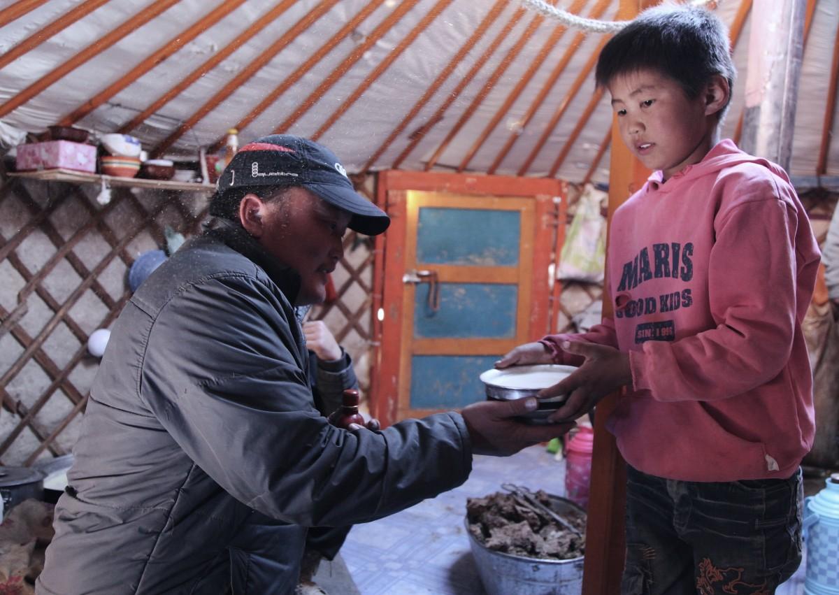 Zdjęcia: Gurvan Saikhan, Dalanzadgad, Pokolenia, MONGOLIA
