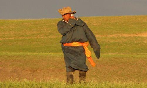 MONGOLIA / wschodnia Mongolia / nad rzeką Kerulen / Spotkanie na stepie