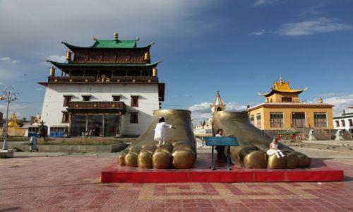Zdjecie MONGOLIA / Ułan Bator / Klasztor Gandan / Stopy Buddy