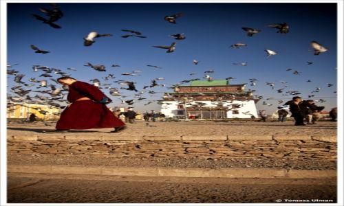 Zdjecie MONGOLIA / Ulan Bator / Świątynia Gandan / wszystko w ruchu