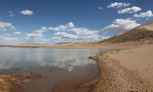 Zdjęcie MONGOLIA / Dalanzadgad / Gobi / W lustrze wody