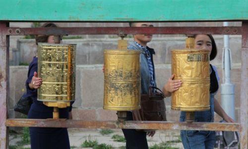 Zdjęcie MONGOLIA / Ułan Bator / Gandan / Modlitwa