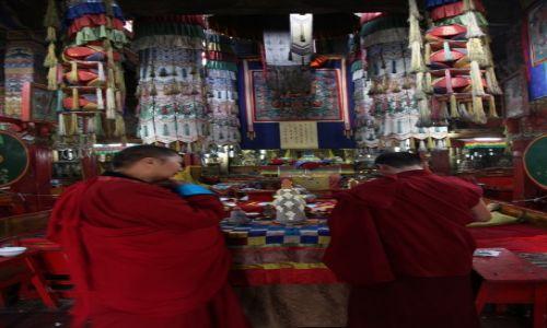 Zdjęcie MONGOLIA /  Ułan Bator / Klasztor Gandan / W świątyni