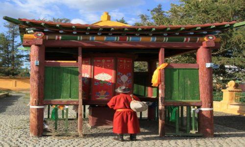 Zdjęcie MONGOLIA / Ułan Bator / Klasztor Gandan / Pielgrzym