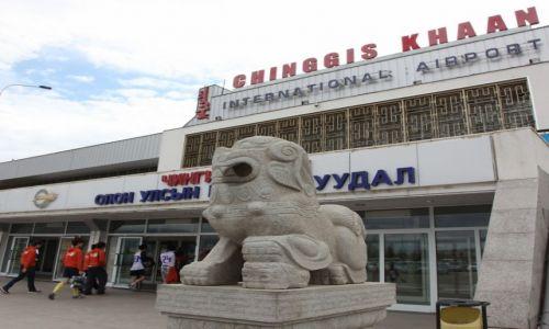 Zdjęcie MONGOLIA / Ułan Bator / Bayanzurkh / Port lotniczy Czingis-Chana