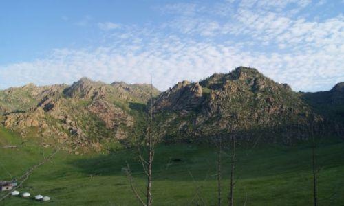 Zdjecie MONGOLIA / Terelj / MONGOLIA / 5 rano widok na mój hotel:)