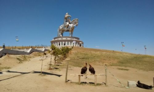 MONGOLIA / - / Obok parku Gorchi-Tereldż / Pomnik Dżyngis-chana