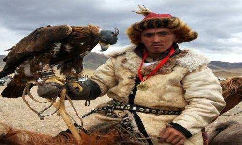 Zdjecie MONGOLIA / Altai / Sagsai / zwyciesca