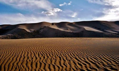 Zdjęcie MONGOLIA / Pustynia Gobi / Wydmy Khongoryn Els / Mrucząca Góra Piachu.