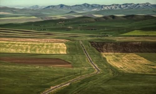 MONGOLIA / płn. Mongolia / płn.Mongolia / Widok z górki...