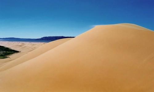 Zdjęcie MONGOLIA / Pustynia Gobi /  Wydmy Chongoryn Els (Singing Sands) / Prawdziwe Piaskowe Góry