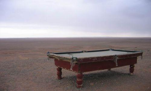MONGOLIA / pustynia Gobi / Mongolia / Bilard:)