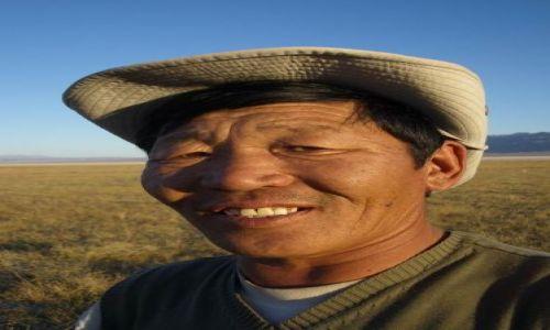 Zdjęcie MONGOLIA / Pustynia Gobi / Mongolia / twarze Mongolii