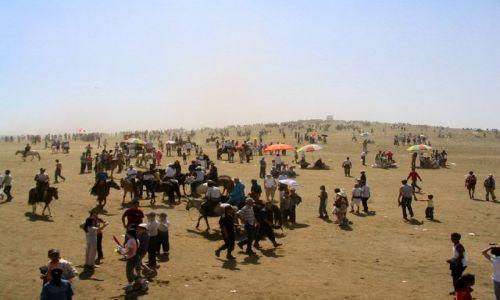 Zdjecie MONGOLIA / Ulan Bator / stepy - 30km od stolicy / Naadam