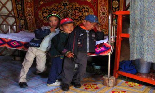 Zdjecie MONGOLIA / nie pamietam / wnetrze jurty :-) / jurta i jej mieszkancy
