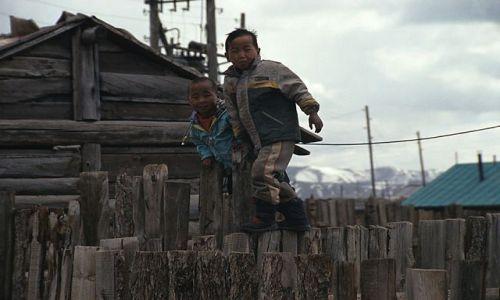 Zdjecie MONGOLIA / brak / gdzies w Mongolii / dzieci Mongolii
