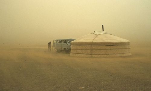 Zdjecie MONGOLIA / brak / Gobi / burza piaskowa na Gobi