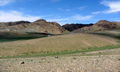 Zdjecie MONGOLIA / Gobi / Mongolia / G�ry i jurta