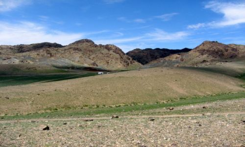 Zdjecie MONGOLIA / Gobi / Mongolia / Góry i jurta