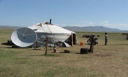 Zdjecie MONGOLIA / - / Środkow Mongolia / Skromne domostw