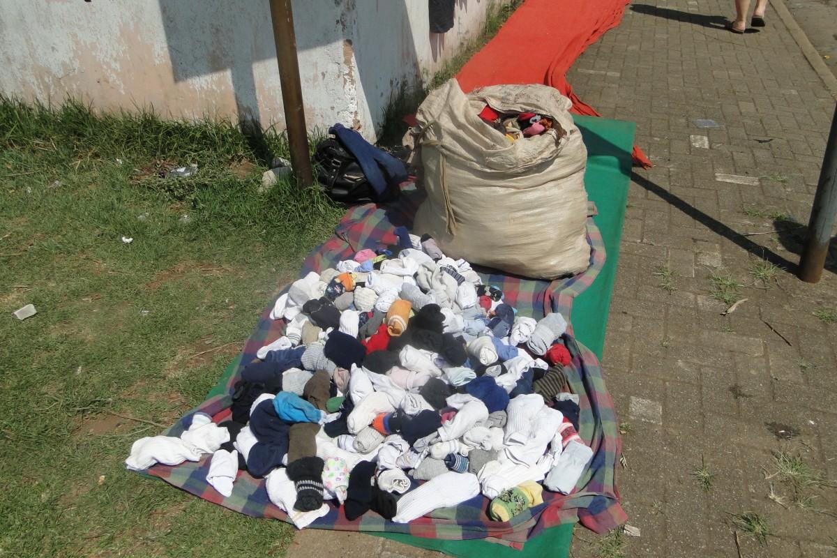 Zdjęcia: Gdzieś w drodze , Poł. - wschodni Mozambik , Towar z pierwszej nogi, MOZAMBIK