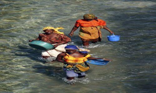 Zdjęcie MOZAMBIK / Nampula / Ilha de Mocambique / Kobiety z Ilha de Mocambique