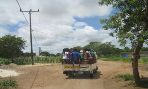 Zdjęcie MOZAMBIK / Mozambik / Mozambik / Transport publiczny (PKS) w Mozambiku