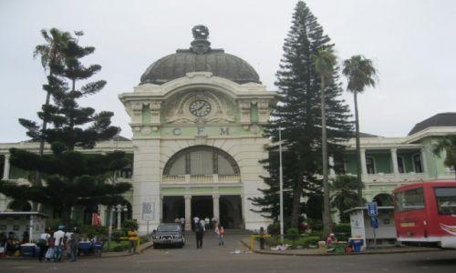 Zdjęcie MOZAMBIK / Mozambik - Maputo stolica Mozambiku / Mozambik  - Maputo / Fronton stacji kolejowej w Maputo