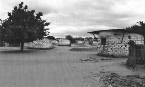 Zdjęcie MOZAMBIK / Środk. Mozambik / Mutarara / Osada
