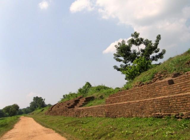 Zdjęcia: Sri Ksetra, Okolice Pyain, Ruiny pałacu Sri Ksetry, MYANMAR
