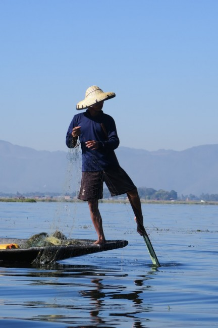 Zdjęcia: In Lake, Inn Lake, Prawdziwy rybak z Myanmaru, MYANMAR
