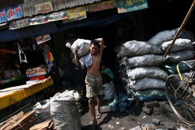 Zdj�cia: Yangon, P�d.Birmy, ** * *, MYANMAR