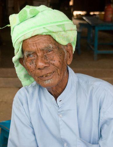 Zdjęcia: Nyaungshwenad nad j.INLE, * * *, MYANMAR