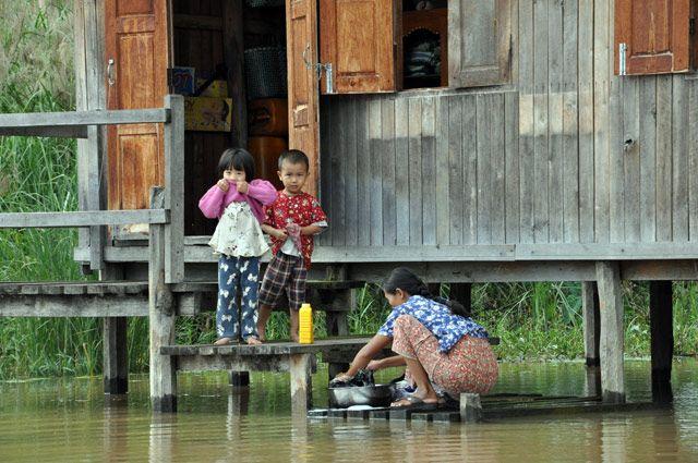 Zdjęcia: Inle Lake, Codziennosc na Inle Lake, czyli pranie, MYANMAR