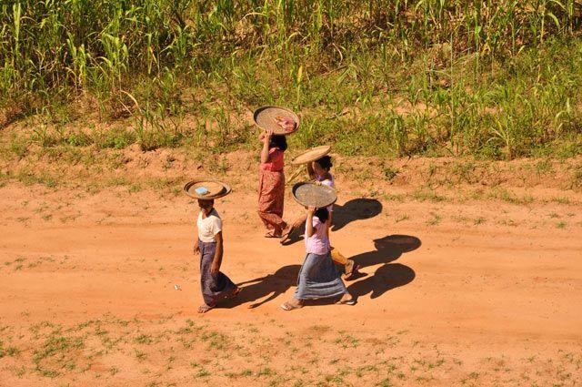Zdjęcia: Bagan, Kobitki - widok z jednej z pagod w Bagan, MYANMAR
