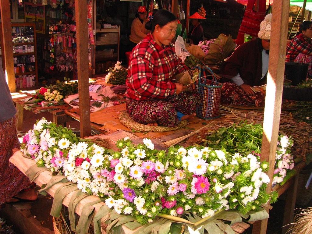 Zdjęcia: Nyauhshwe, stan Shan, miejski targ, MYANMAR