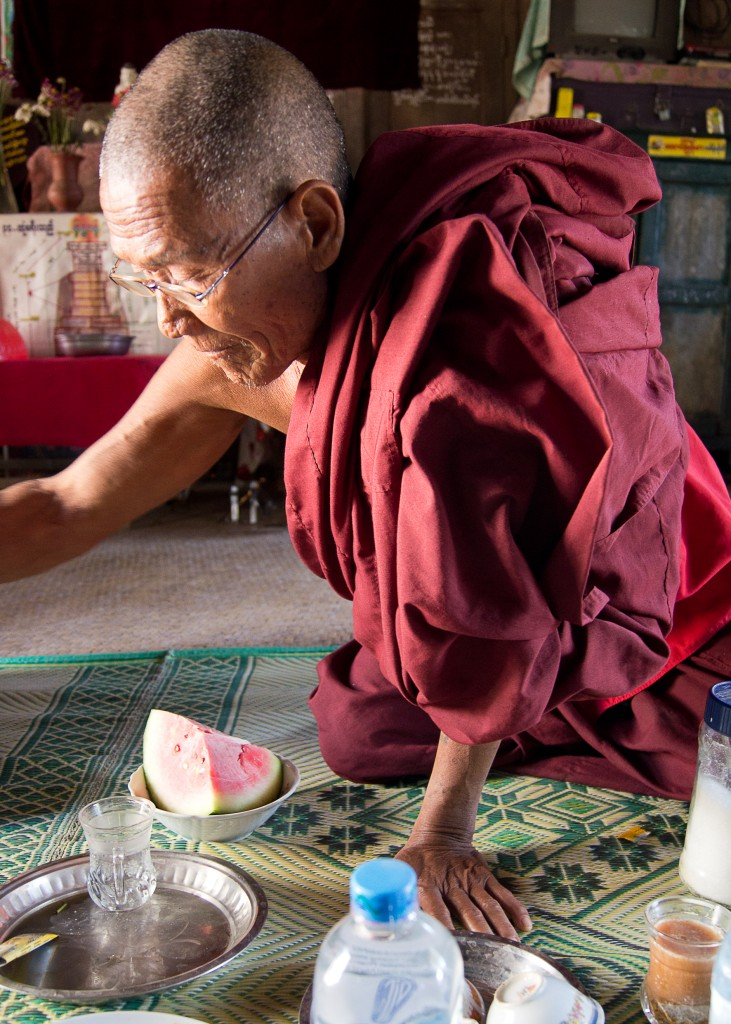 Zdjęcia: Cela Head Mastera , A Myinth, Herbatka u Head Mastera, MYANMAR