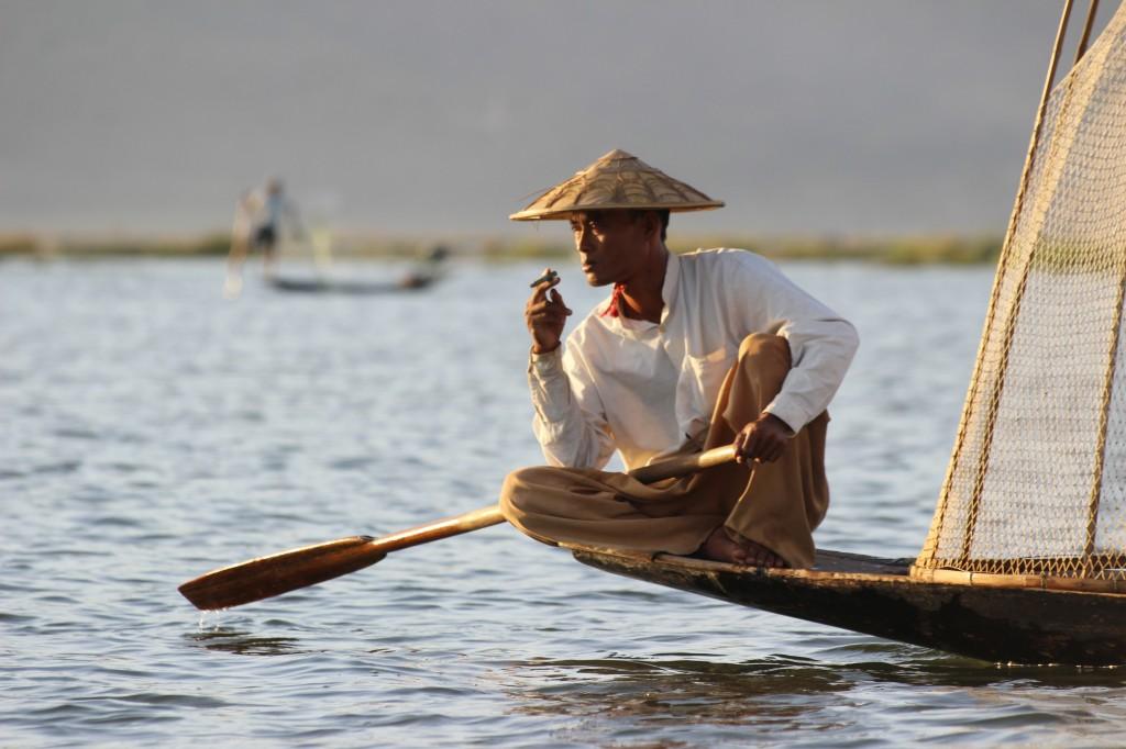 Zdjęcia: Inle Lake, Inle Lake, Rybak- pozer, MYANMAR