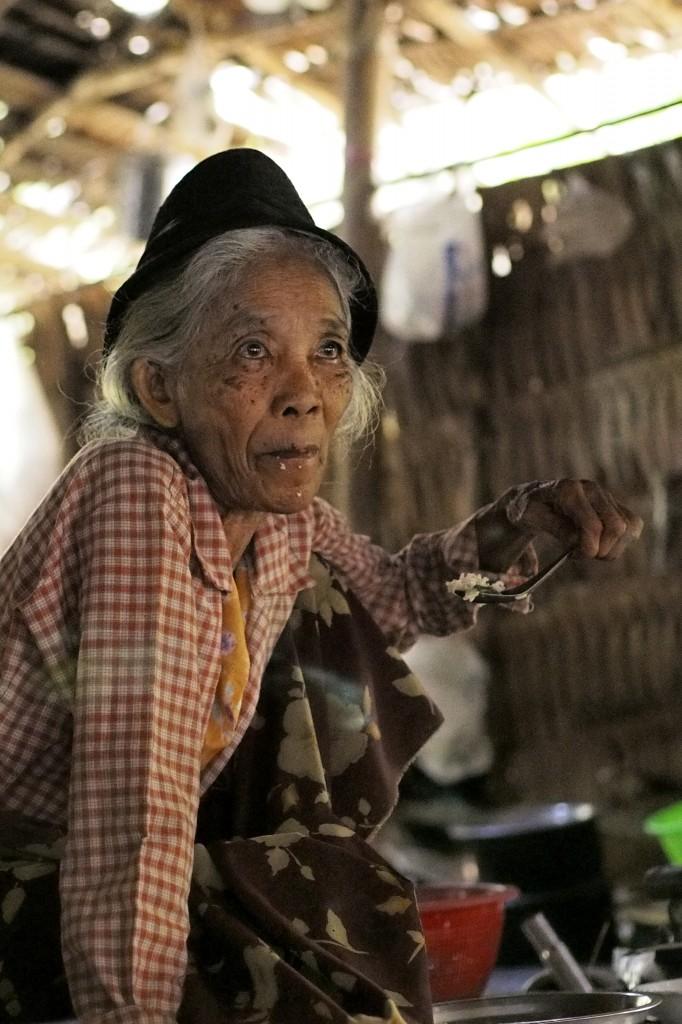 Zdjęcia: Tazin, zatoka bengalska, Babcia, MYANMAR