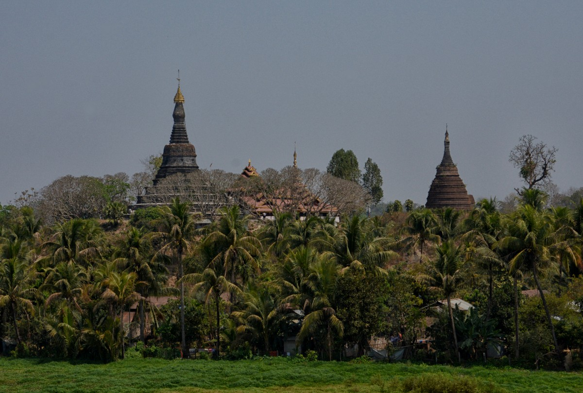 "Zdjęcia:  Mrauk U, Stan Arakan, dystrykt Sittwe, ""Mały Bagan"", MYANMAR"