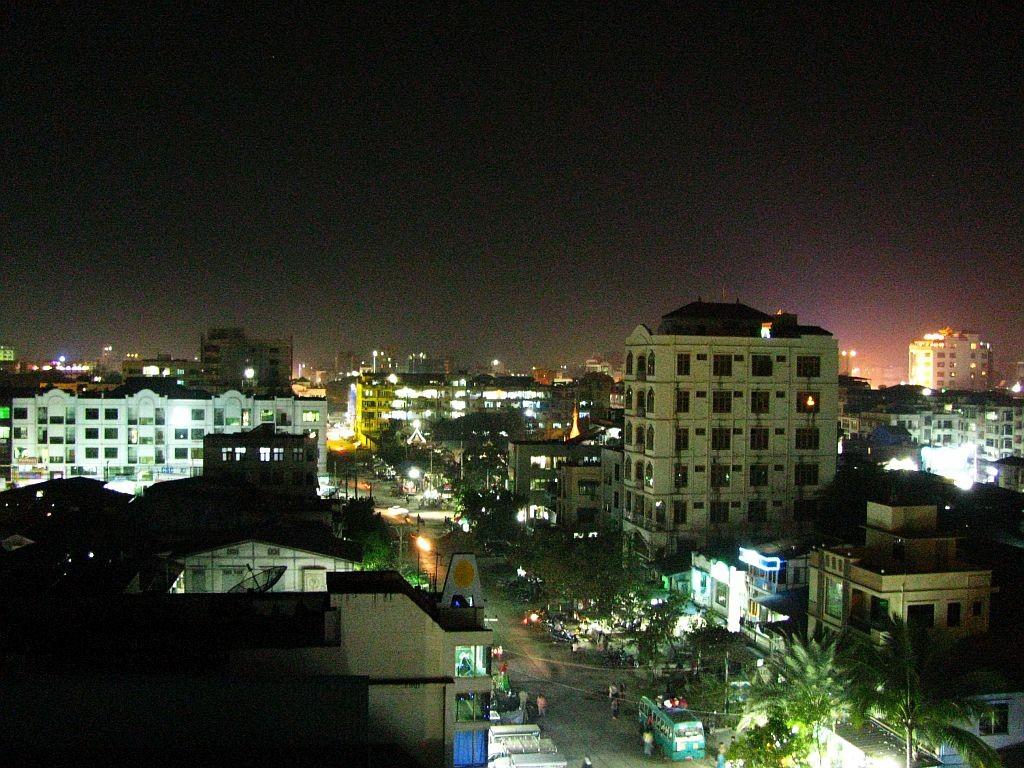 Zdjęcia: Mandalay, Mandalay, Mandalay nocą, MYANMAR