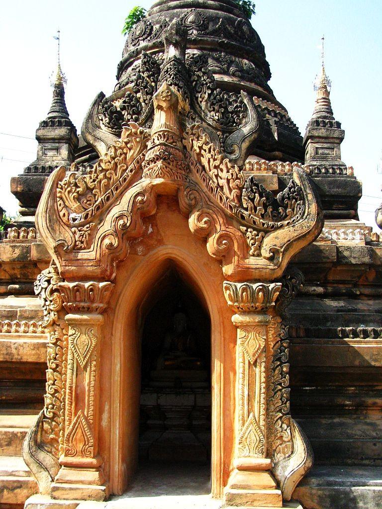 Zdjęcia: Sagaing, okolice Mandalay, kapliczka, MYANMAR