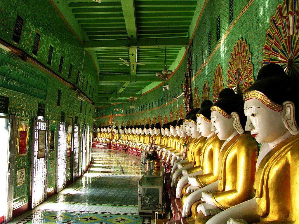 Zdjęcia: Sagaing, okolice Mandalay, Ominthone Sal Paya, MYANMAR
