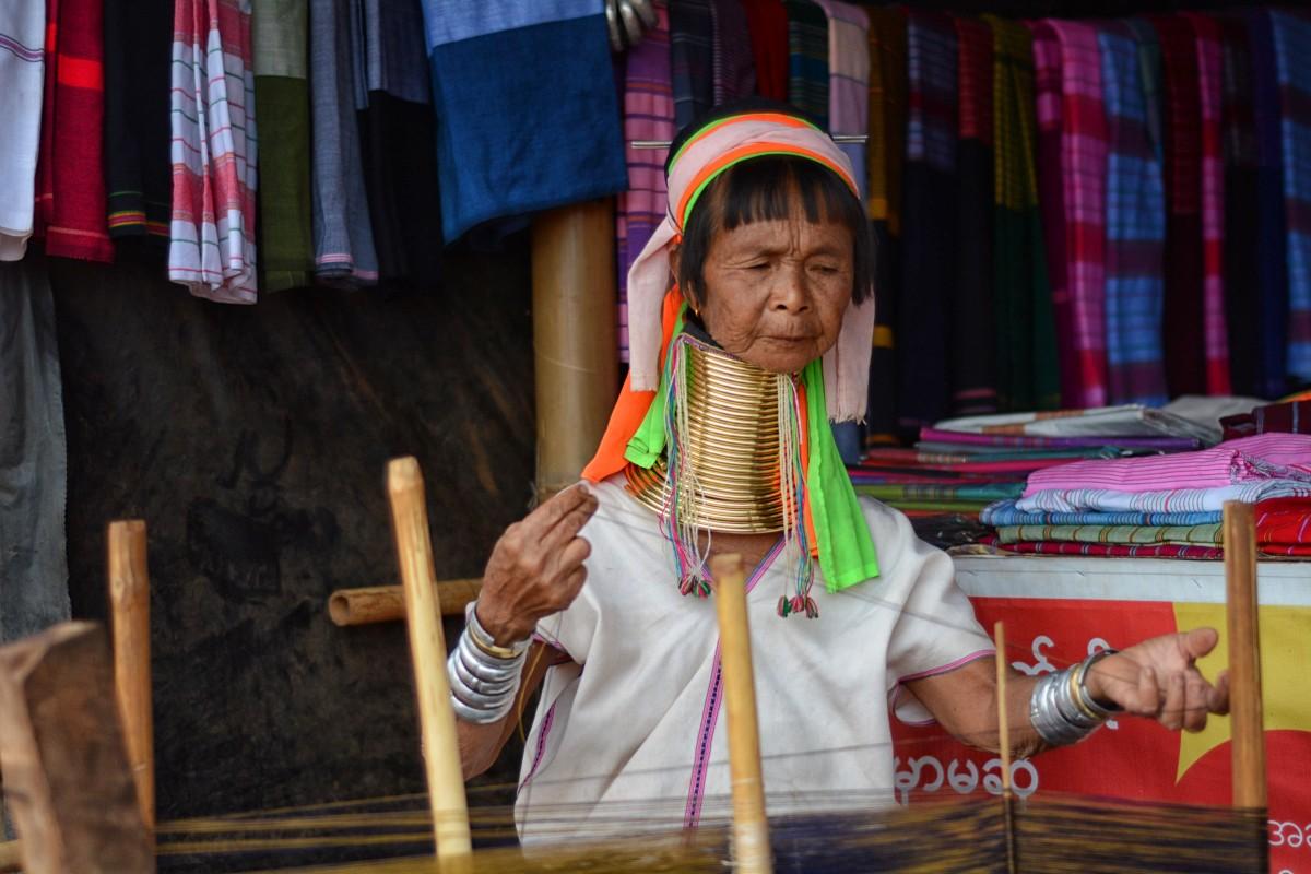Zdjęcia: wioska Ka Yan, stan Kaja, Będzie kilimek, MYANMAR